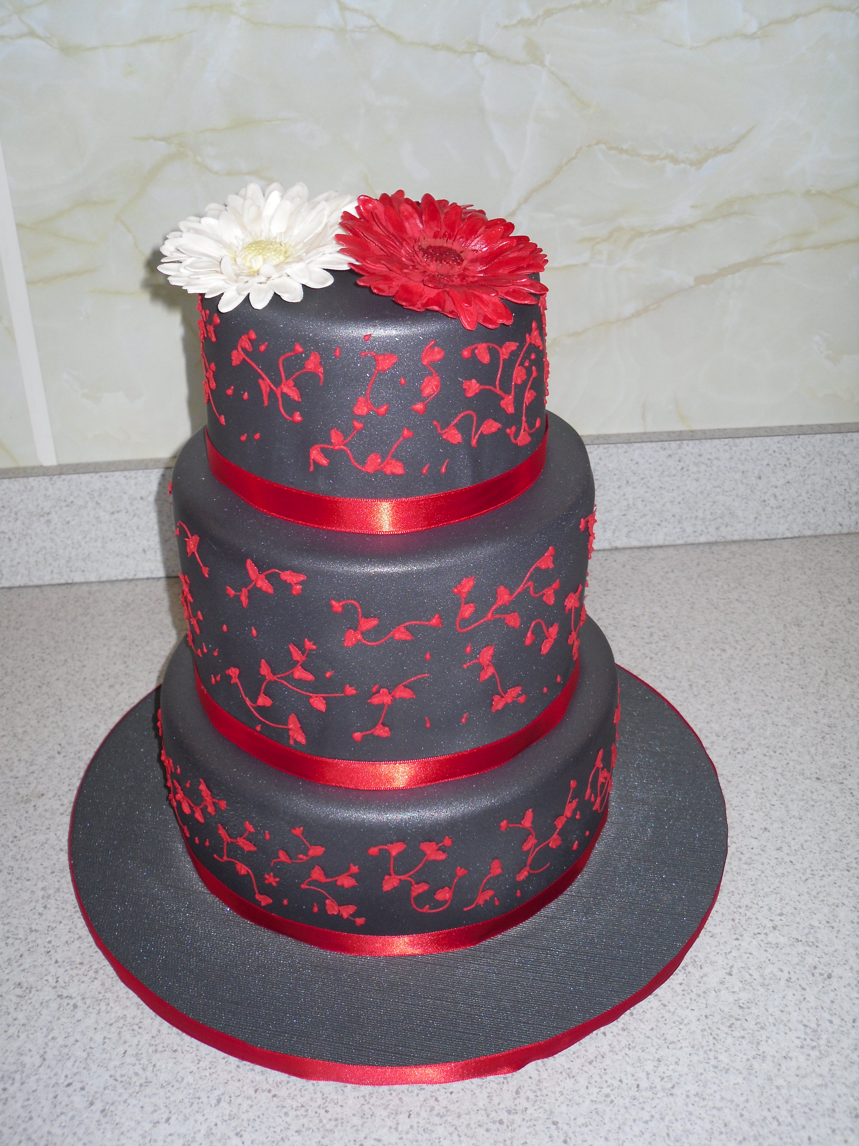 Cake Design Napier : Charcoal Wedding - Welcome to Cindys Cakes